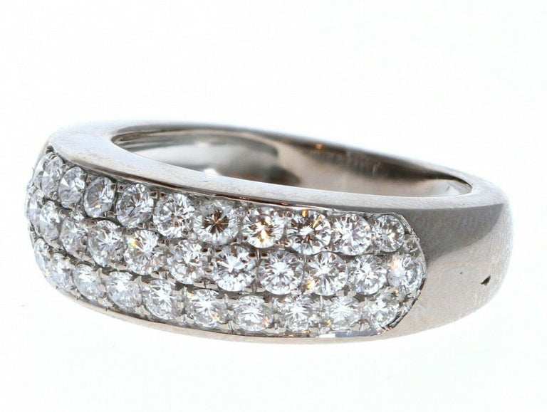 Van Cleef & Arpels 18k White Gold & Diamond Evolution Band 1.00 ctw Size 50      Beautiful diamond band ring   Very elegant for everyday wear !!   Approx 1.00 ctw of round brilliant cut diamond band ring F-VS    Size 5   Weight 5.7 grams  approx.