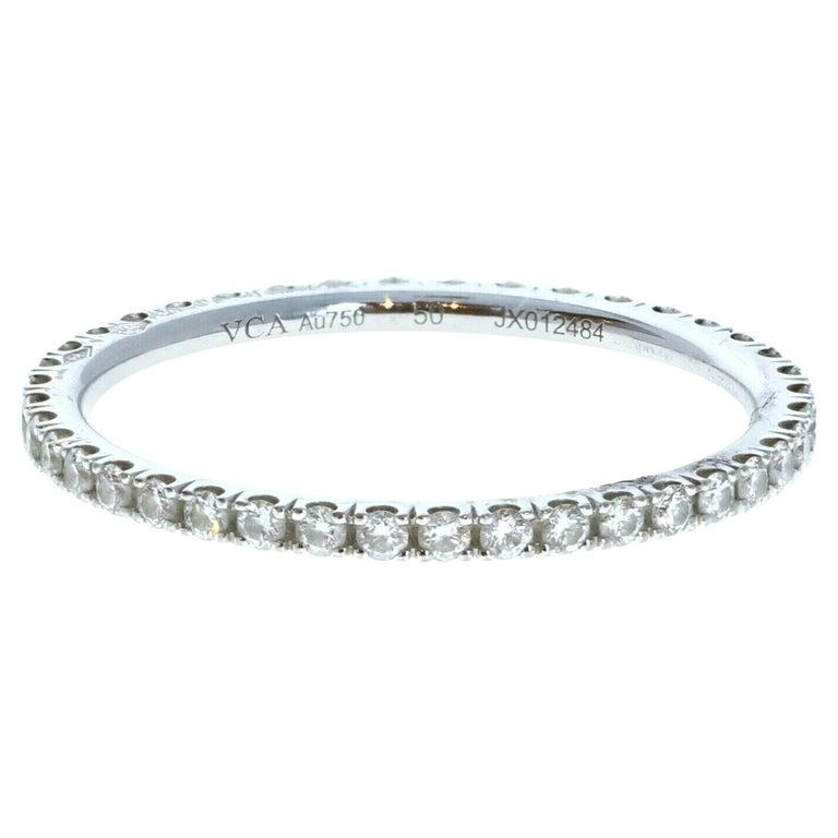 Van Cleef & Arpels 18k White Gold Félicité Eternity Diamond Band Box For Sale