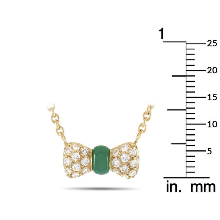 Women's Van Cleef & Arpels 18 Karat Gold 0.39 Carat Diamond and Chrysoprase Pendant For Sale