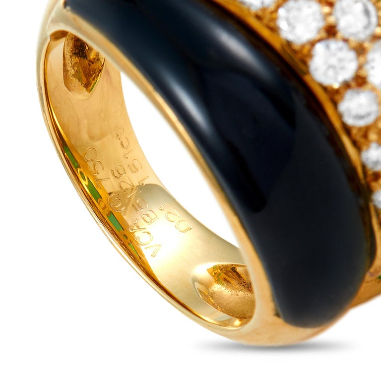 Van Cleef & Arpels 18K Yellow Gold 1.51 Ct Diamond, Chrysoprase and Onyx Ring 1