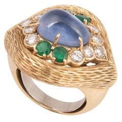 Van Cleef & Arpels 18k Yellow Gold Cabochon Sapphire Diamond and Emerald Ring