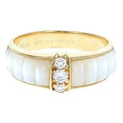 Van Cleef & Arpels 18 Karat Yellow Gold, MOP and Diamond Ring 4.2g Box Paper
