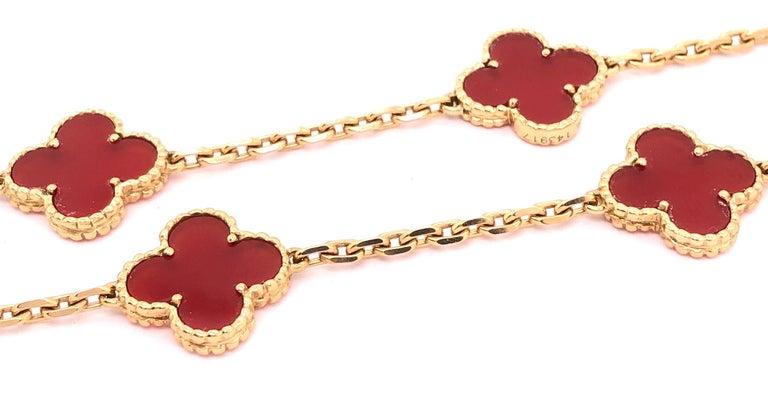 Women's or Men's Van Cleef & Arpels 18 Karat Yellow Gold Carnelian 10 Motif Necklace For Sale