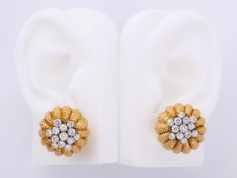 Van Cleef & Arpels 1960s Gold and Diamond Pin and Earclips Set In Excellent Condition For Sale In Bal Harbour, FL