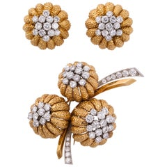 Van Cleef & Arpels 1960s Gold and Diamond Pin and Earclips Set