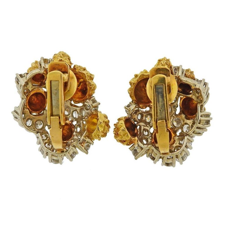 Van Cleef & Arpels 1960s Gold Diamond Earrings In Excellent Condition For Sale In New York, NY