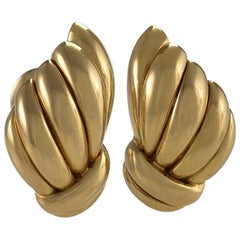 Van Cleef & Arpels 1960s Gold Earrings