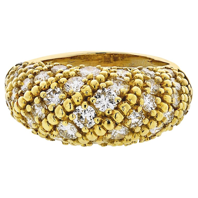 Van Cleef & Arpels 1970s 18 Karat Yellow Gold 2.50 Carat Dome Diamond Ring For Sale
