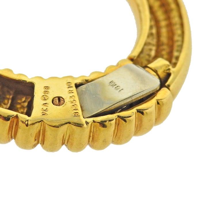 Women's or Men's Van Cleef & Arpels 1970s 18 Karat Gold Scarf Clip Brooch For Sale