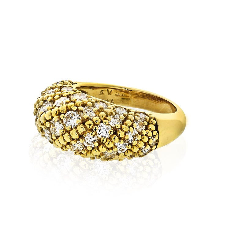 Van Cleef & Arpels 1970s 18 Karat Yellow Gold 2.50 Carat Dome Diamond Ring In Excellent Condition For Sale In New York, NY