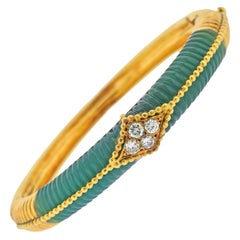 Van Cleef & Arpels 1970s Carved Chrysoprase Diamond Gold Bracelet