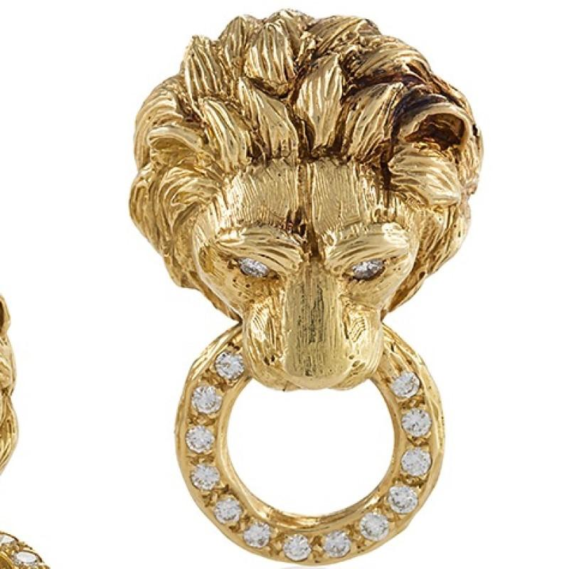 Picture of: Van Cleef And Arpels 1970s Diamond And Gold Lion Head Door Knocker Earrings At 1stdibs