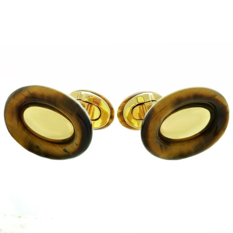 Van Cleef & Arpels 1970s Tiger's Eye Yellow Gold Cufflinks In Excellent Condition For Sale In New York, NY