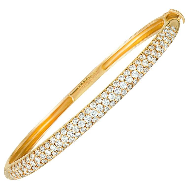 Van Cleef & Arpels 2.42 Carat Diamond Pave 18 Karat Yellow Gold Bangle Bracelet For Sale