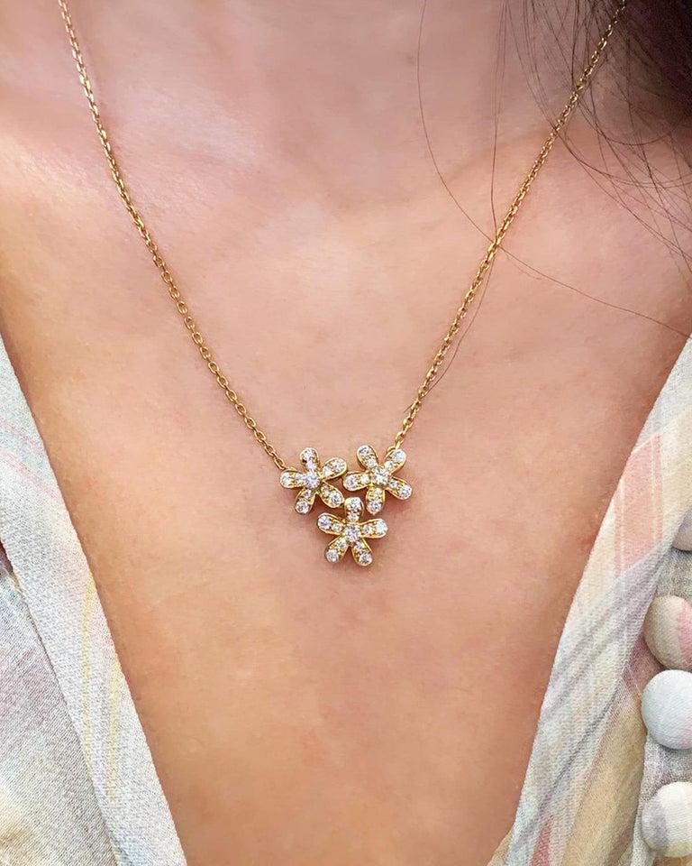Women's Van Cleef & Arpels 3-Flower Pendant Necklace