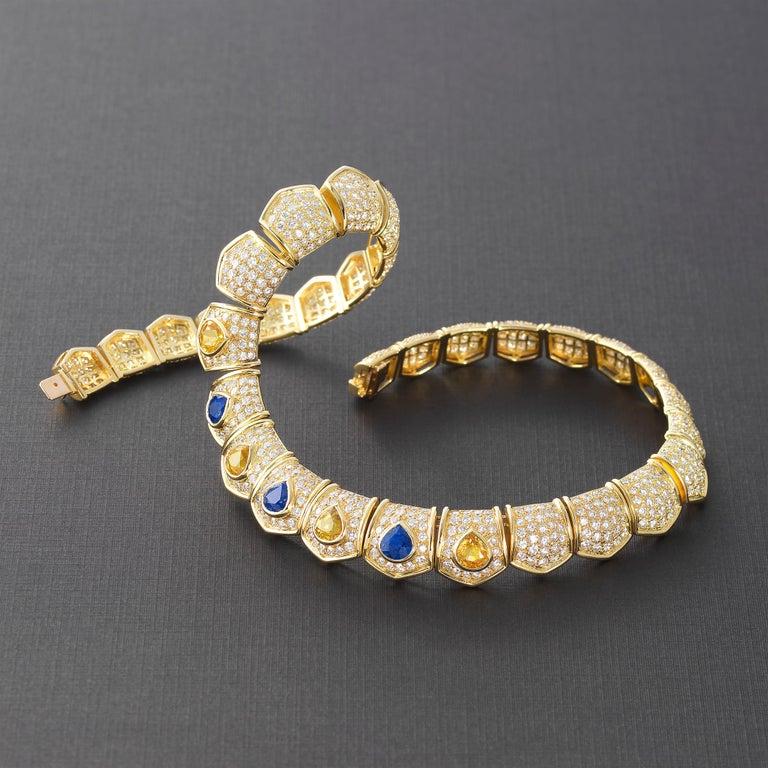 Women's Van Cleef & Arpels 30cts Diamond Sapphire Necklace in 18 Karat Gold For Sale