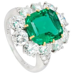 Van Cleef & Arpels 3.22 Carat No Oil Colombian Emerald Diamond Cluster Ring