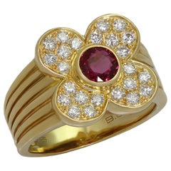 Van Cleef & Arpels 4 Leaf Clover Genuine Ruby Diamond Yellow Gold Ring
