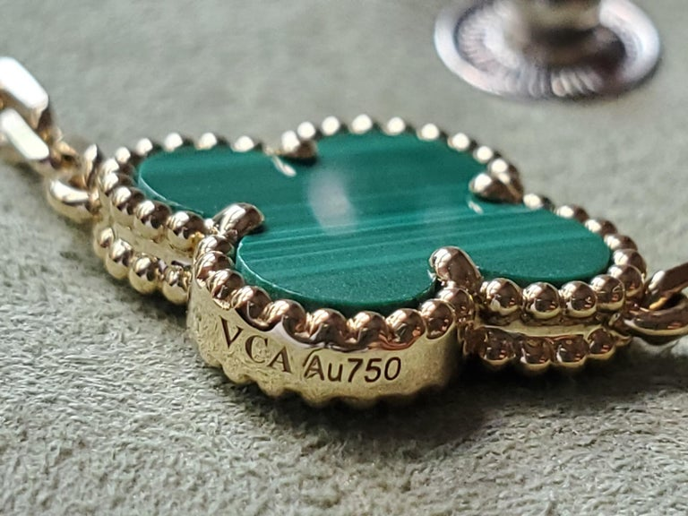Van Cleef & Arpels 5 Motif Vintage Alhambra Malachite Gold Bracelet In Excellent Condition In Banbury, GB