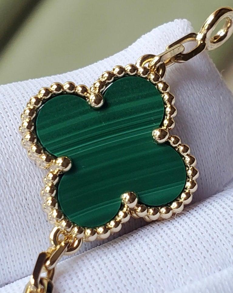 Women's or Men's Van Cleef & Arpels 5 Motif Vintage Alhambra Malachite Gold Bracelet
