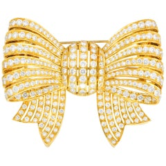 Van Cleef & Arpels 9.65 Carats Diamonds 18 Karat Gold Bow Brooch