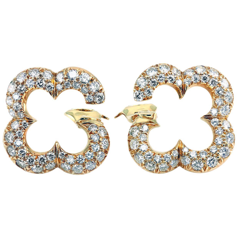 Van Cleef & Arpels Alhambra 18 Karat Gold Earrings Diamond Pavé Clips