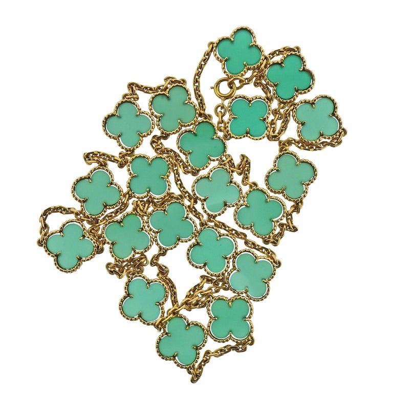 Women's Van Cleef & Arpels Alhambra Chrysoprase 20 Motif Necklace For Sale