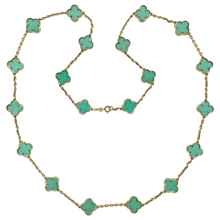 Van Cleef & Arpels Alhambra Chrysoprase 20 Motif Necklace For Sale