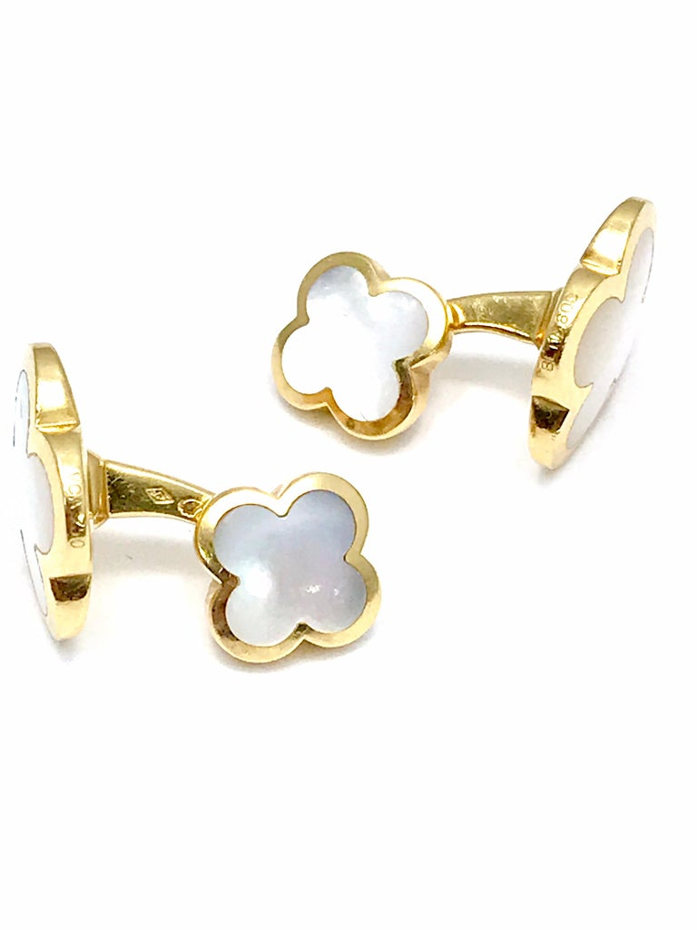 Women's or Men's Van Cleef & Arpels Alhambra Mother of Pearl Yellow Gold Cufflinks For Sale