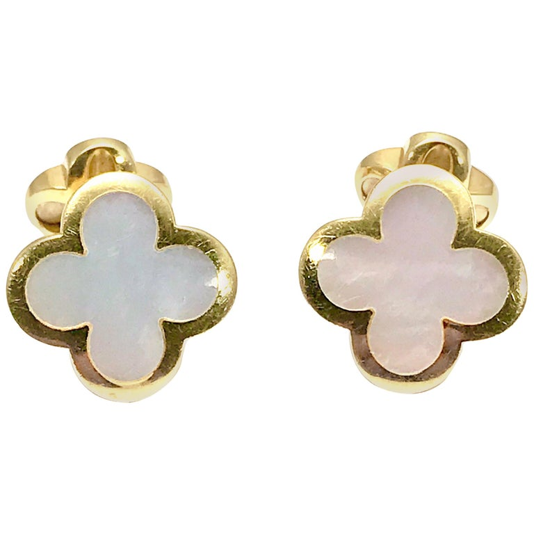 Van Cleef & Arpels Alhambra Mother of Pearl Yellow Gold Cufflinks For Sale