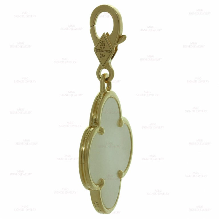 Van Cleef & Arpels Alhambra Mother of Pearl Yellow Gold Large Pendant For Sale 1