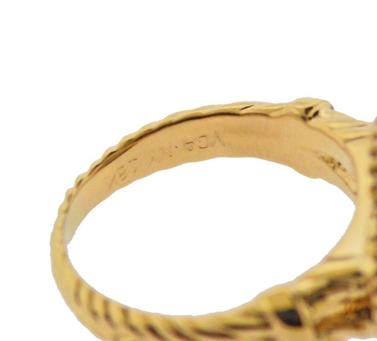 Van Cleef & Arpels Alhambra Onyx Diamond Gold Ring In Excellent Condition For Sale In Boca Raton, FL