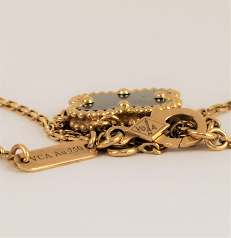 Van Cleef & Arpels Alhambra Pendant Necklace In Excellent Condition In New York, NY