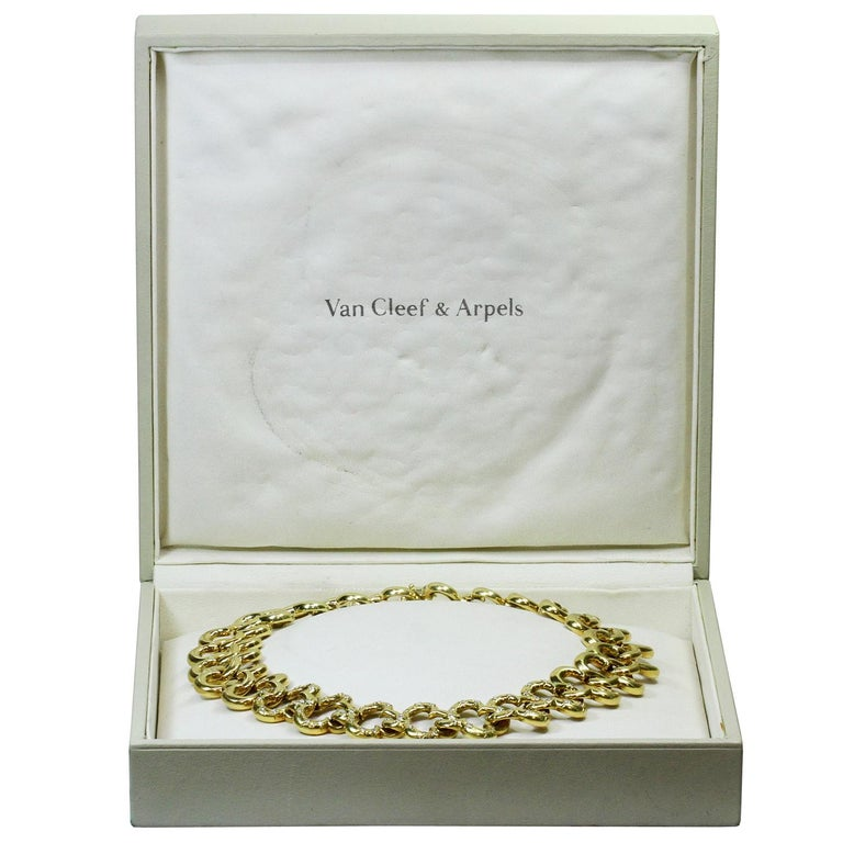 Van Cleef & Arpels Alhambra Yellow Gold Diamond Necklace In Excellent Condition For Sale In New York, NY