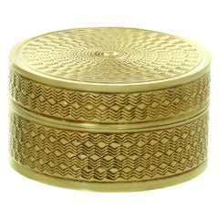 Van Cleef & Arpels Antique Yellow Gold Handcrafted Pill Box