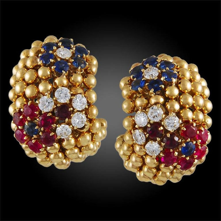 VAN CLEEF & ARPELS Bagatelle Bombe Ring Earring Suite in 18k Yellow Gold.  A notable retro-style suite from Van Cleef & Arpels converging two designs emblematic of the Maison: the domed voluminous forms of 'Pelouse' (in some books this look is also