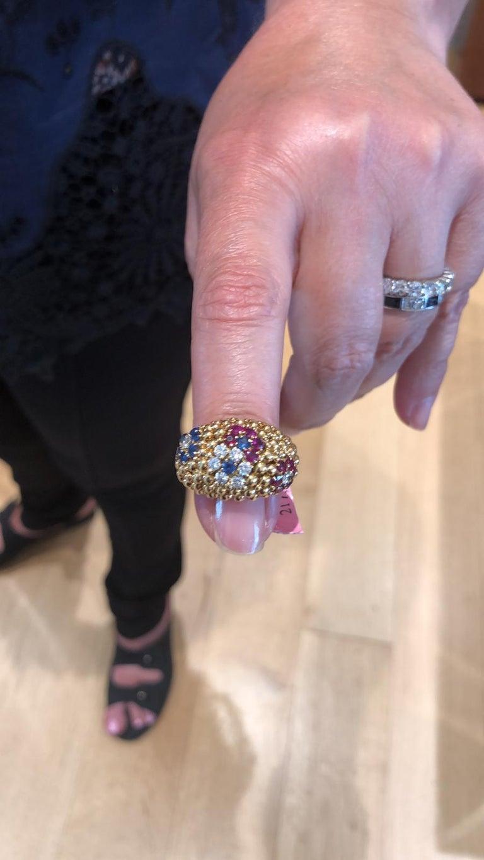 Van Cleef & Arpels Bagatelle Bombe Ring Earring Suite For Sale 1
