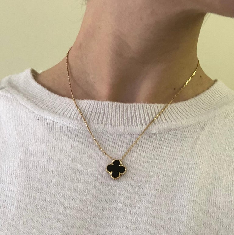 Van Cleef & Arpels Black Onyx Pendant Necklace In Excellent Condition For Sale In Chipping Campden, GB