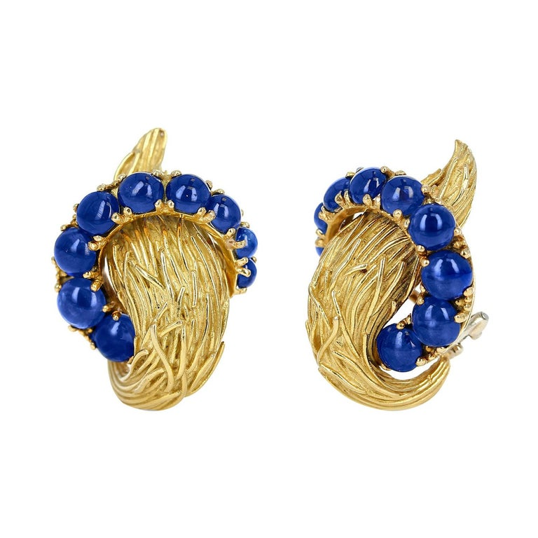 Van Cleef & Arpels Blue Sapphire Cabochon 18k Textured Gold Earrings For Sale