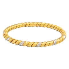 Van Cleef & Arpels Braided Yellow Gold and Diamonds Stackable Bangle Bracelet