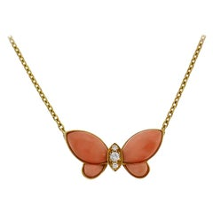 Van Cleef & Arpels Butterfly Pendant Necklace in Yellow Gold Diamond Coral