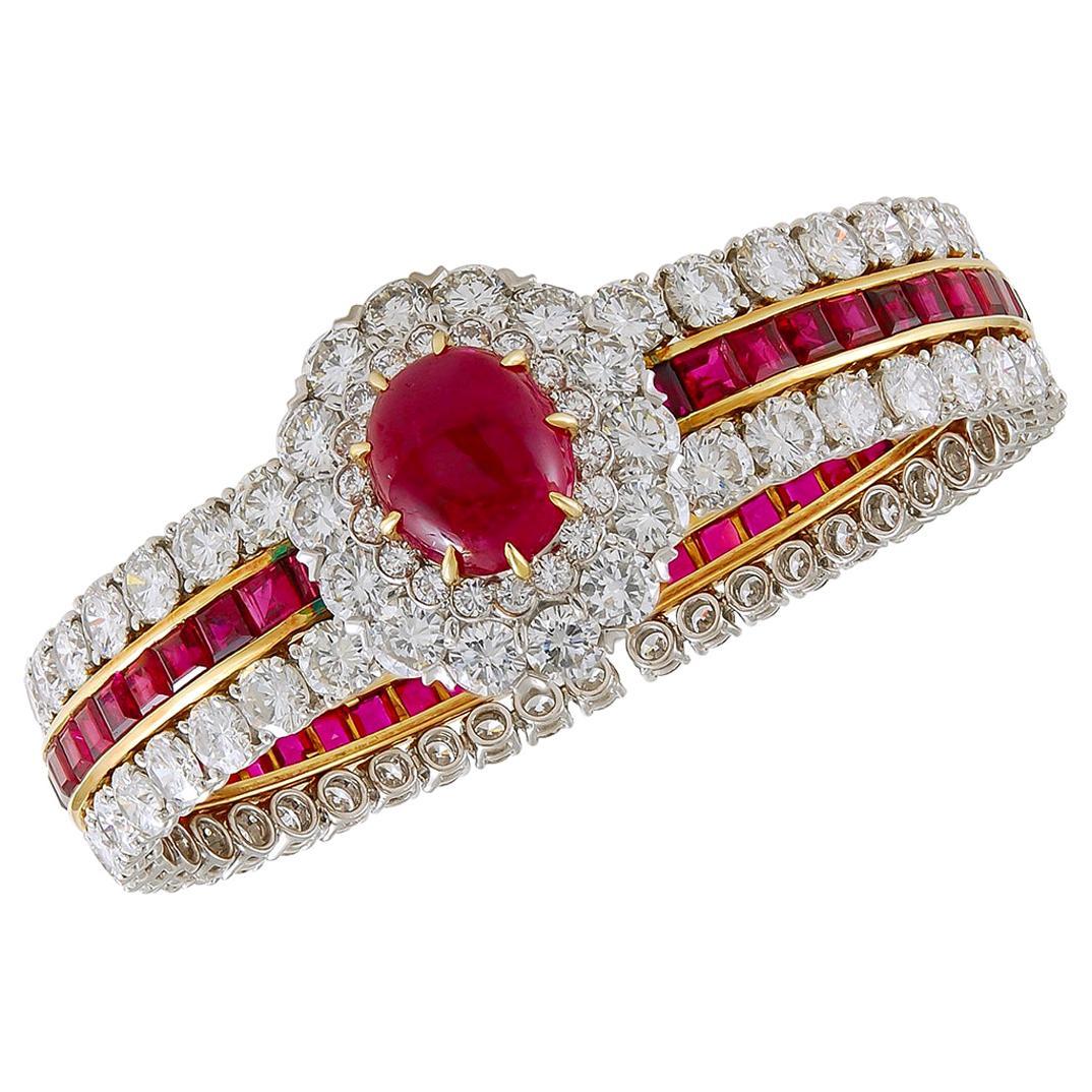 Van Cleef & Arpels Cabochon Ruby Diamond Gold Bangle Bracelet
