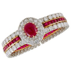 Van Cleef & Arpels Cabochon Ruby Diamond Gold Bangle Bracelet