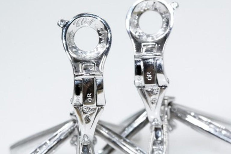 Van Cleef & Arpels Caresse D'Eole White Gold and Diamond Earrings For Sale 1