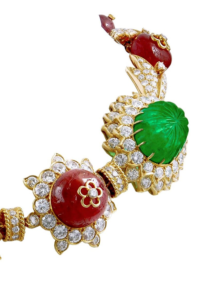 Van Cleef & Arpels Carved Emerald, Ruby, Diamond Necklace-Bracelet Combination In Good Condition For Sale In New York, NY