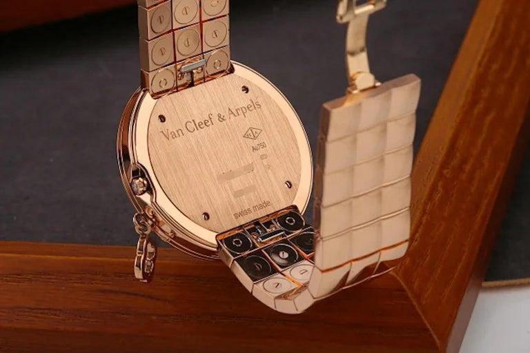 Van Cleef & Arpels Charms Rose Gold Diamond Quartz Watch VCARN5LF00 For Sale 1