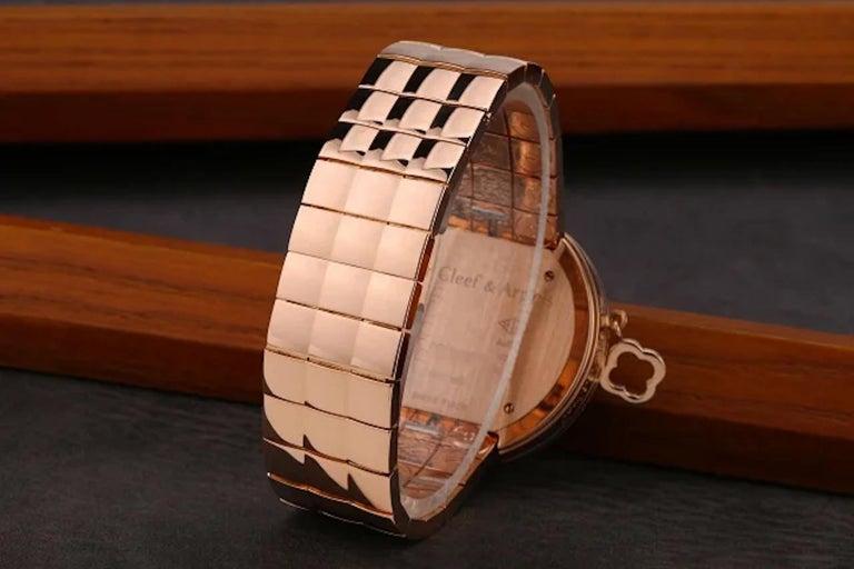 Van Cleef & Arpels Charms Rose Gold Diamond Quartz Watch VCARN5LF00 For Sale 3