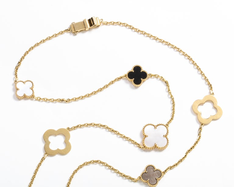 Van Cleef & Arpels & Chloe, a Rare, Limited-Edition 18K Gold Alhambra Necklace For Sale 6