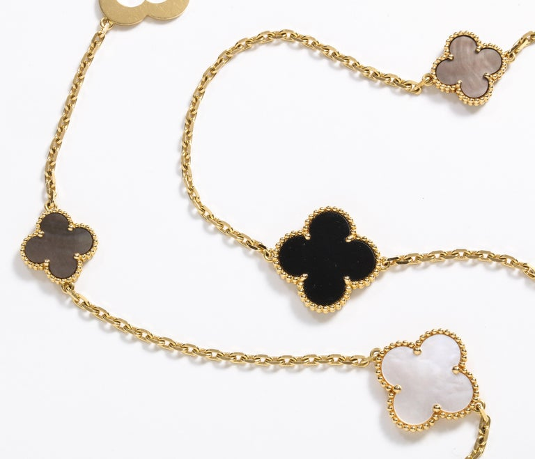 Van Cleef & Arpels & Chloe, a Rare, Limited-Edition 18K Gold Alhambra Necklace For Sale 7