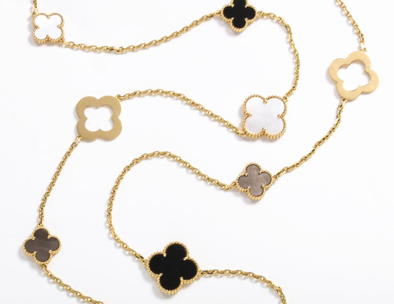 Van Cleef & Arpels & Chloe, a Rare, Limited-Edition 18K Gold Alhambra Necklace For Sale 2
